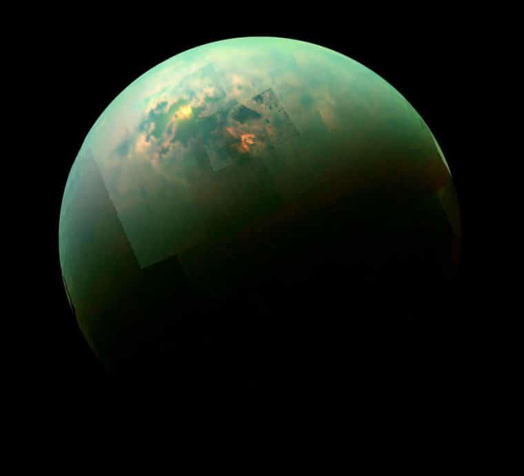 A lua de superfície gasosa, Titan, e seu oceano de metano líquido
