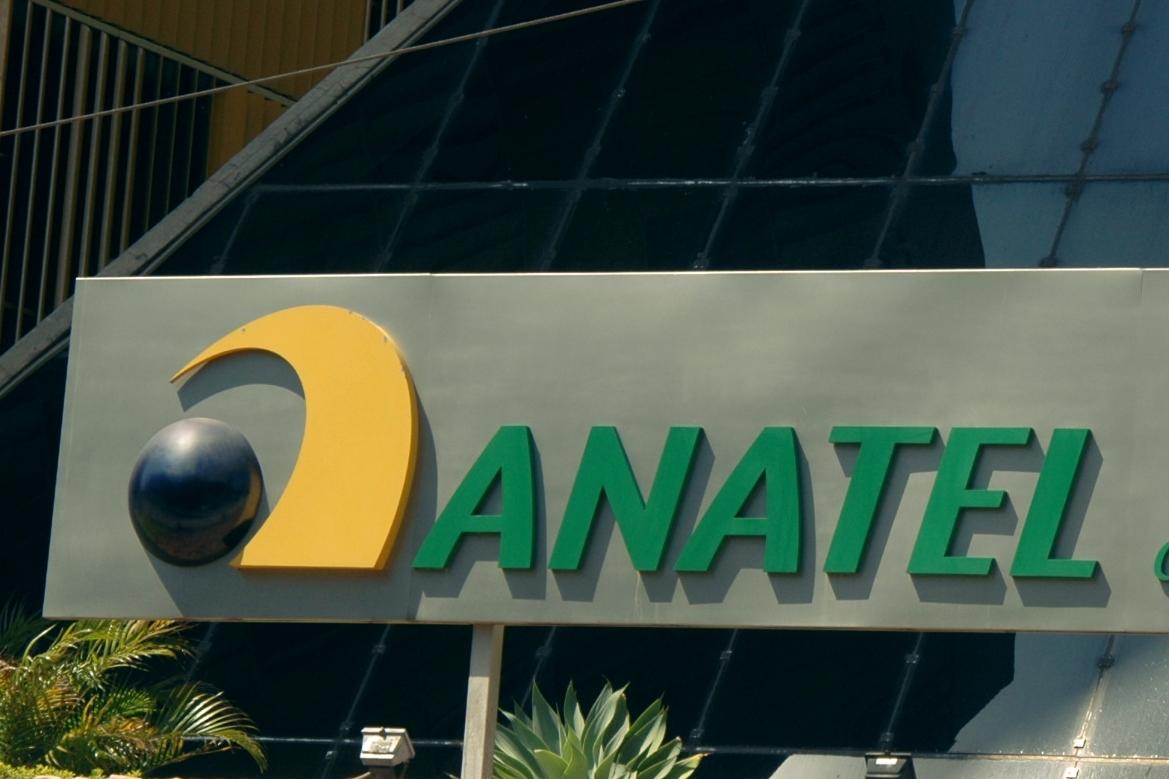 Tem Na Web - Anatel vai bloquear celulares piratas a partir desta semana